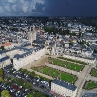 Abbaye_aux_hommes_Caen._Photo_aérienne_François_Monier_._Septième_Ciel_Images_.jpg