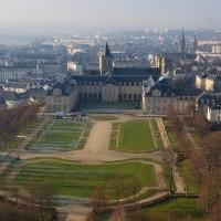 Le_Conseil_Régional_de_Basse-Normandie_et_lAbbaye_aux_Hommes._Photo_aérienne_François_Monier_.jpg