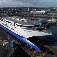 le_Normandy_Express_en_cale_sèche_dans_le_port_de_Cherbourg._Photo_aérienne_François_Monier_._Septième_Ciel_Images_._octobre_2017_.jpg