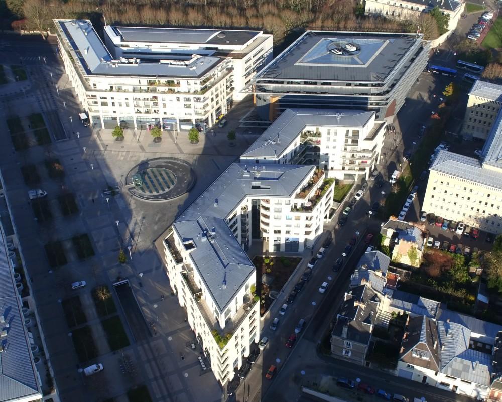 Place_Gardin_et_le_Palais_de_Justice_de_Caen1.jpg