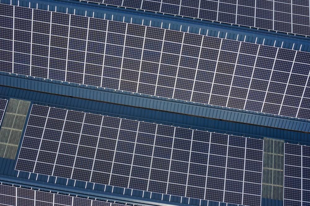 Toiture_en_panneaux_solaires_Cuverville_-_Septième_Ciel_Images_-_François_Monier-11.jpg
